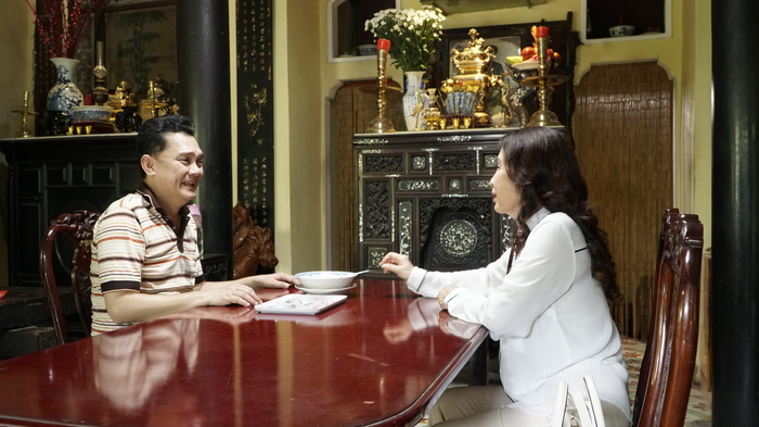 Họp báo phim 'Trói buộc yêu thương': Lý Bình cay cú cái tát của 'mẹ' Kim Xuân, Ngọc Lan bóc phốt nụ hôn với Thanh Long Ảnh 8