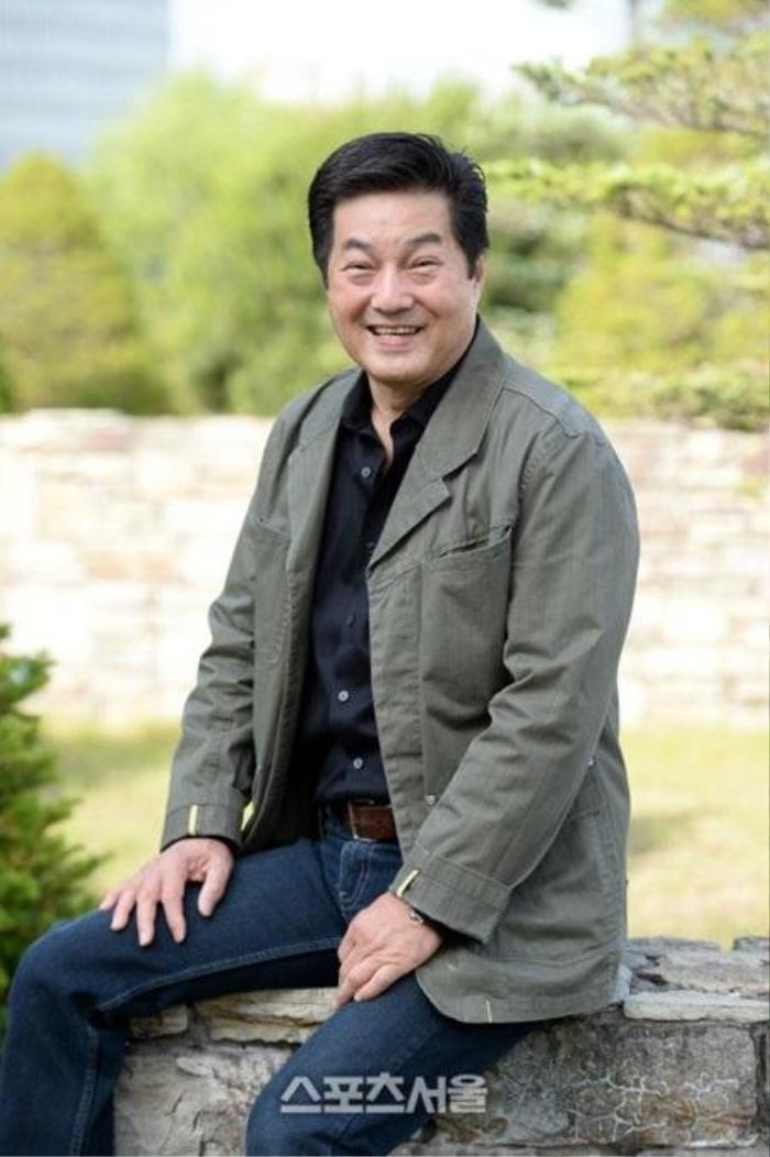 Lộ ảnh tại tang lễ diễn viên Oh In Hye, sao Hàn chia buồn: Cảnh sát xin lệnh xét nghiệm tử thi! Ảnh 6