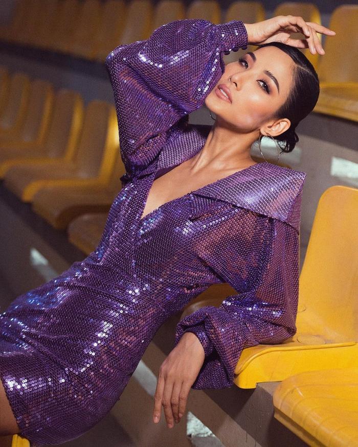 Hoàng Thùy đẹp kiều diễm chuẩn nét á hậu, lên đồ pose dáng siêu mẫu vẫn khó ai sánh bằng Ảnh 4