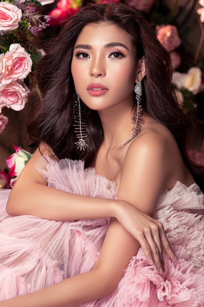 Bà xã Lương Thế Thành khoe thân hình đầy quyến rũ đẹp hơn cả Hoa hậu Ảnh 3