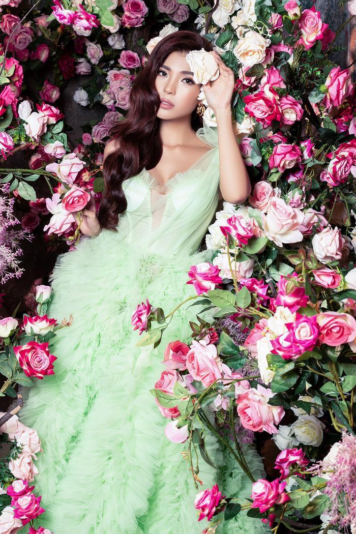 Bà xã Lương Thế Thành khoe thân hình đầy quyến rũ đẹp hơn cả Hoa hậu Ảnh 10