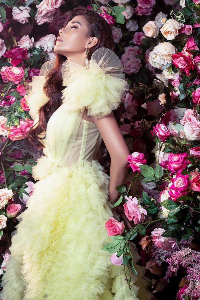 Bà xã Lương Thế Thành khoe thân hình đầy quyến rũ đẹp hơn cả Hoa hậu Ảnh 7