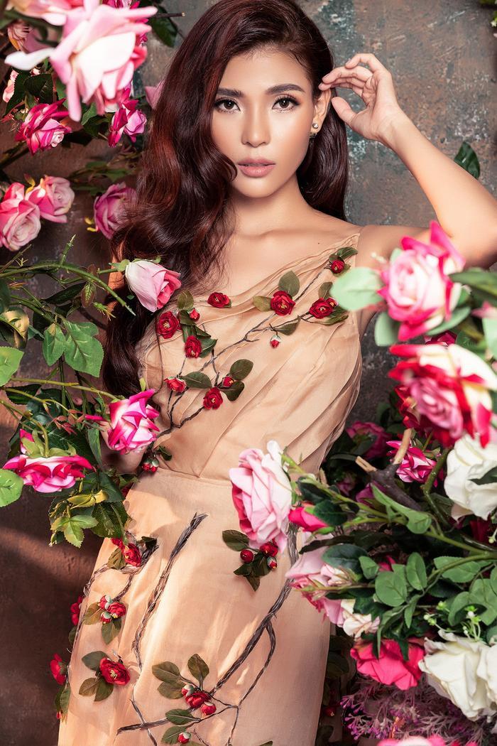 Bà xã Lương Thế Thành khoe thân hình đầy quyến rũ đẹp hơn cả Hoa hậu Ảnh 15