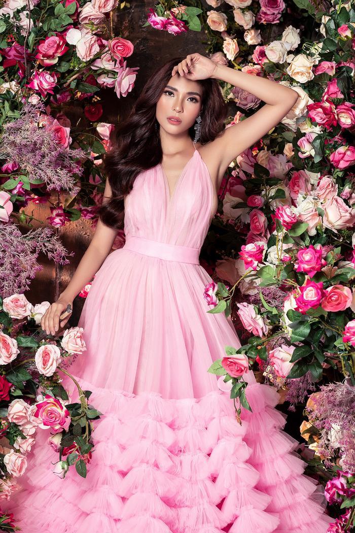 Bà xã Lương Thế Thành khoe thân hình đầy quyến rũ đẹp hơn cả Hoa hậu Ảnh 12