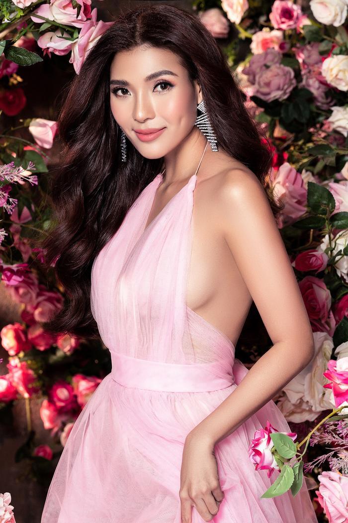 Bà xã Lương Thế Thành khoe thân hình đầy quyến rũ đẹp hơn cả Hoa hậu Ảnh 13