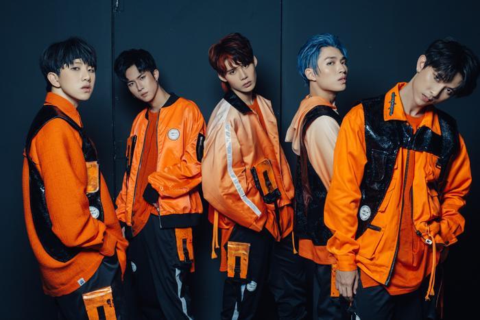 MV mới của Uni5 bất ngờ bị dân mạng 'mổ xẻ': Âm nhạc - hình ảnh 'sặc mùi' BTS và Wanna One? Ảnh 1
