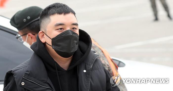Seungri (Bigbang) phủ nhận cờ bạc, mại dâm và truyền bá clip đồi trụy: Liệu có trắng án? Ảnh 6