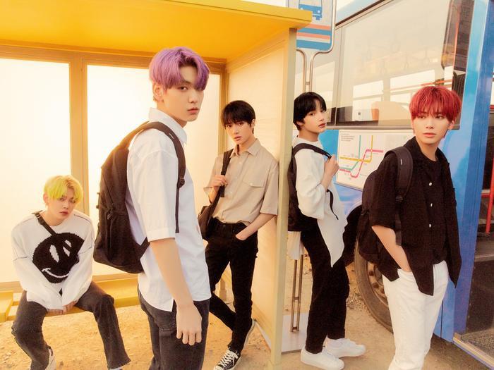 Billboard World Albums tuần này: 'Gà cưng' Big Hit chiếm lĩnh các vị trí đầu bảng, Taemin và Wonho debut trong top 15 Ảnh 3