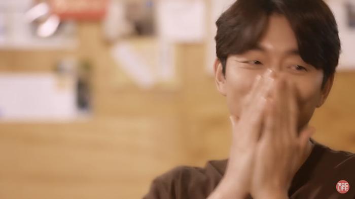 'Tiệm cà phê hoàng tử' phiên bản 2020: Yoon Eun Hye - Gong Yoo ngại ngùng, 'sát nhân' Kim Jae Wook điển trai Ảnh 19