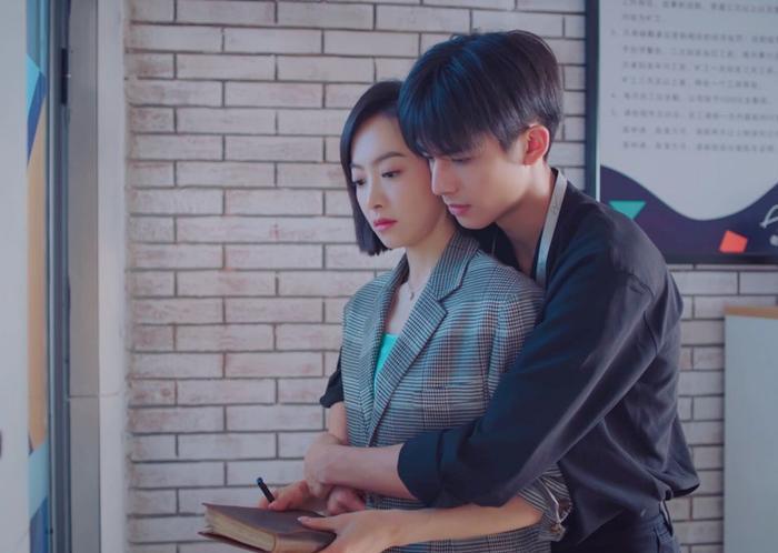 Được 'song đề cử' Kim Ưng 2020, Triệu Lệ Dĩnh chễm chệ dẫn đầu trên hotsearch Weibo Ảnh 9