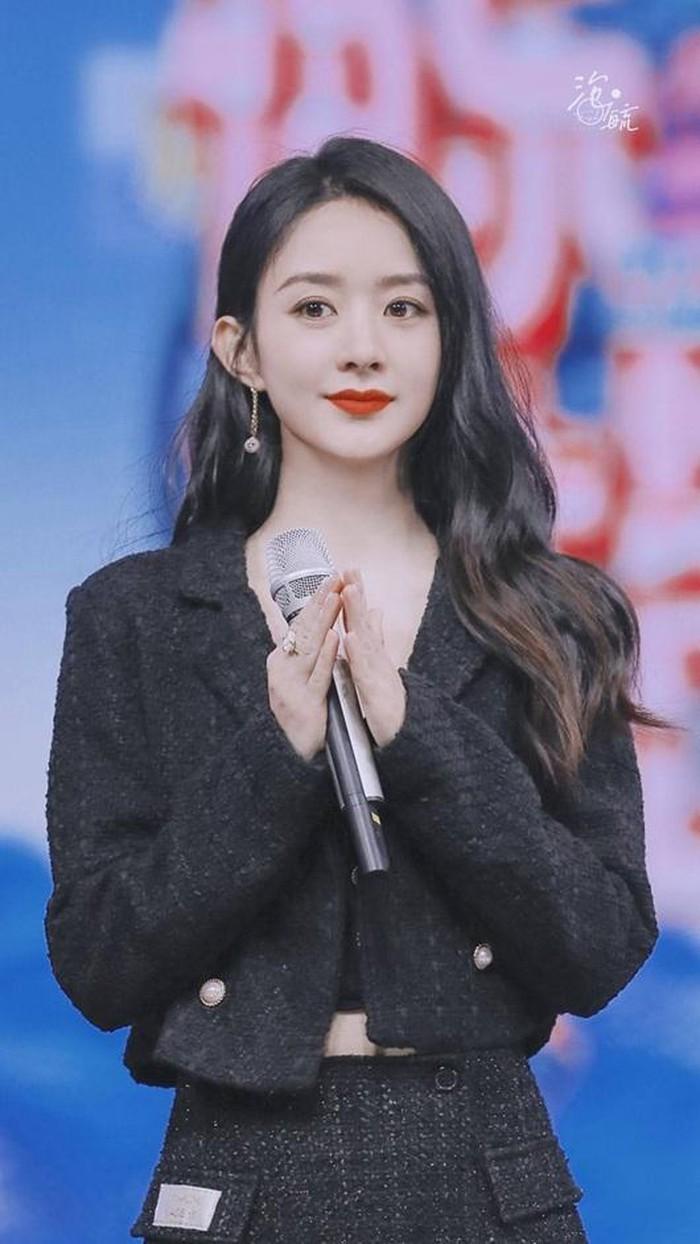 Được 'song đề cử' Kim Ưng 2020, Triệu Lệ Dĩnh chễm chệ dẫn đầu trên hotsearch Weibo Ảnh 2