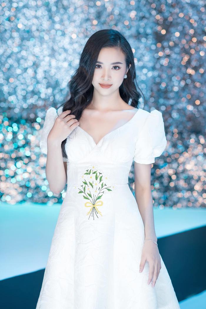 Tiểu Vy - Phương Nga - Thúy An thăng hạng nhan sắc sau 2 năm đăng quang Hoa hậu Việt Nam Ảnh 17
