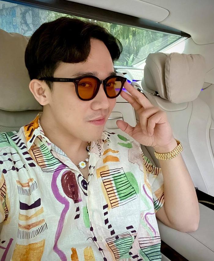 Trấn Thành đăng ảnh sang chảnh, cư dân mạng hỏi vội mặc áo Hari Won có phải không Ảnh 3