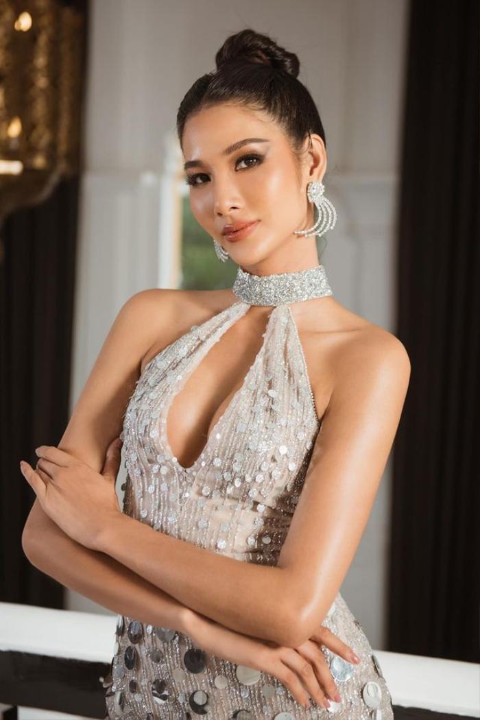 Sao Việt khoe khe ngực với váy khoét vô cực: Ngọc Trinh còn chưa xi nhê gì với mỹ nhân này Ảnh 12