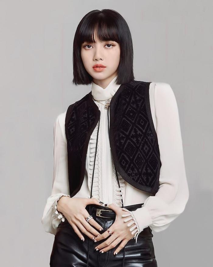 Dàn mỹ nhân BlackPink mang thời trang thanh lịch & cổ điển 'ngự trị' trên tạp chí Elle Mỹ Ảnh 4