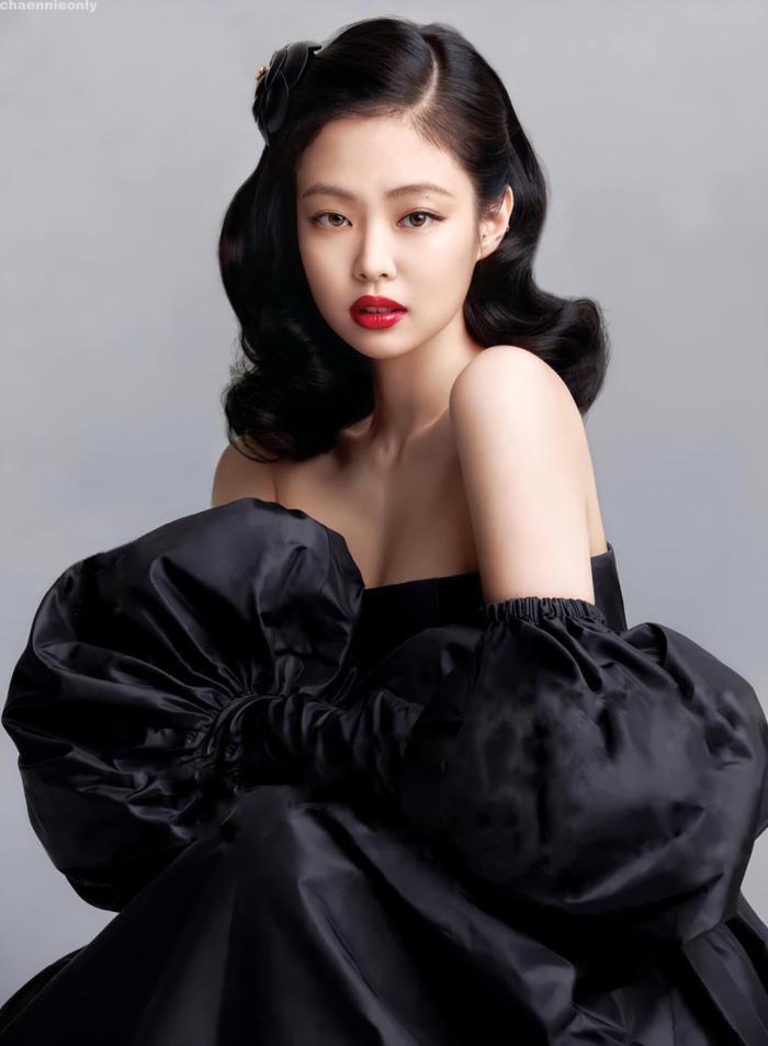 Dàn mỹ nhân BlackPink mang thời trang thanh lịch & cổ điển 'ngự trị' trên tạp chí Elle Mỹ Ảnh 3