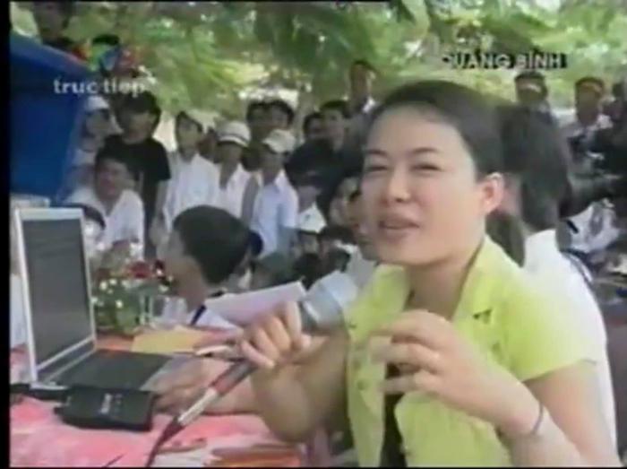 Trước 'giờ G' chung kết Olympia năm thứ 20, BTV Quang Minh bồi hồi chia sẻ lại loạt ảnh các điểm cầu truyền hình cách đây 15 năm Ảnh 2