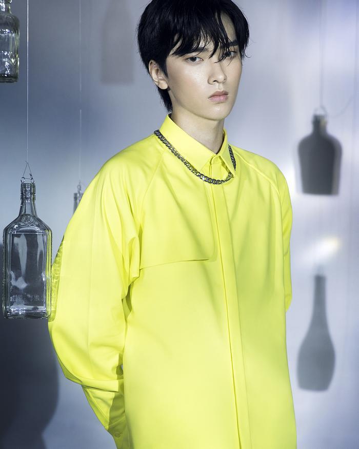 Rác thải 'hồi sinh' trong BST của NTK Trần Hùng tại London Fashion Week 2021 Ảnh 21