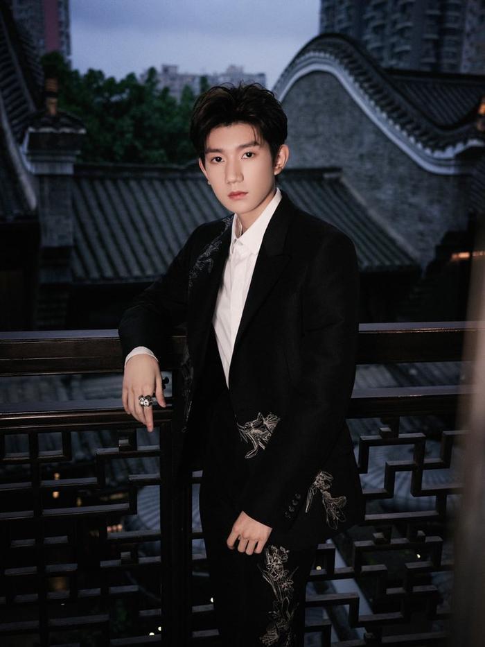 Vương Nguyên được khen tỉnh táo, EQ cao khi gạt bay chức danh MC Ảnh 8