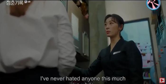 Ký sự thanh xuân tập 4: Cuộc đời tiếp tục thử thách Park Bo Gum nhận được vai diễn đầu đời lại là vai phản diện Ảnh 9