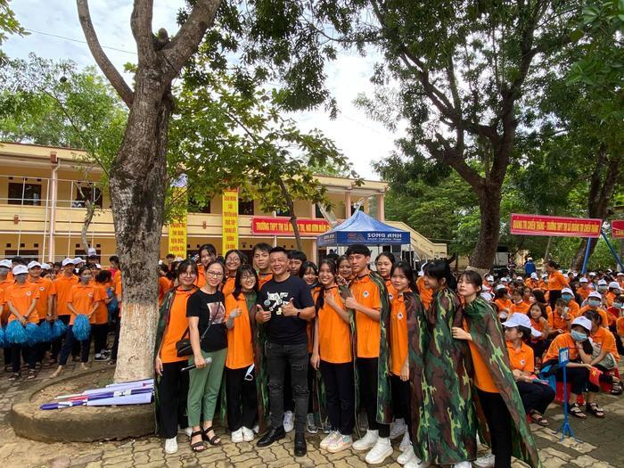 BTV Quang Minh hào hứng 'check-in' điểm cầu Quảng Trị, sẵn sàng cho trận chung kết Đường lên đỉnh Olympia năm thứ 20 Ảnh 3