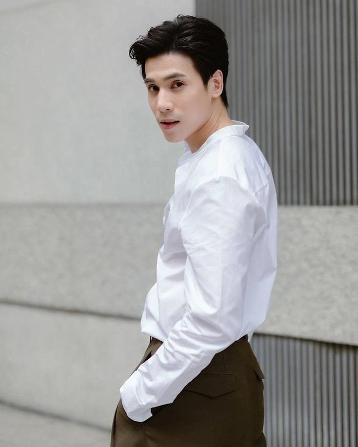 'Ley Luang' 2021: Cặp bách hợp 'mẹ chồng - nàng dâu' tái ngộ, Jes Jespipat lần đầu hợp tác cùng Hoa hậu hoàn vũ Thái Lan Pooklook Fonthip Ảnh 3