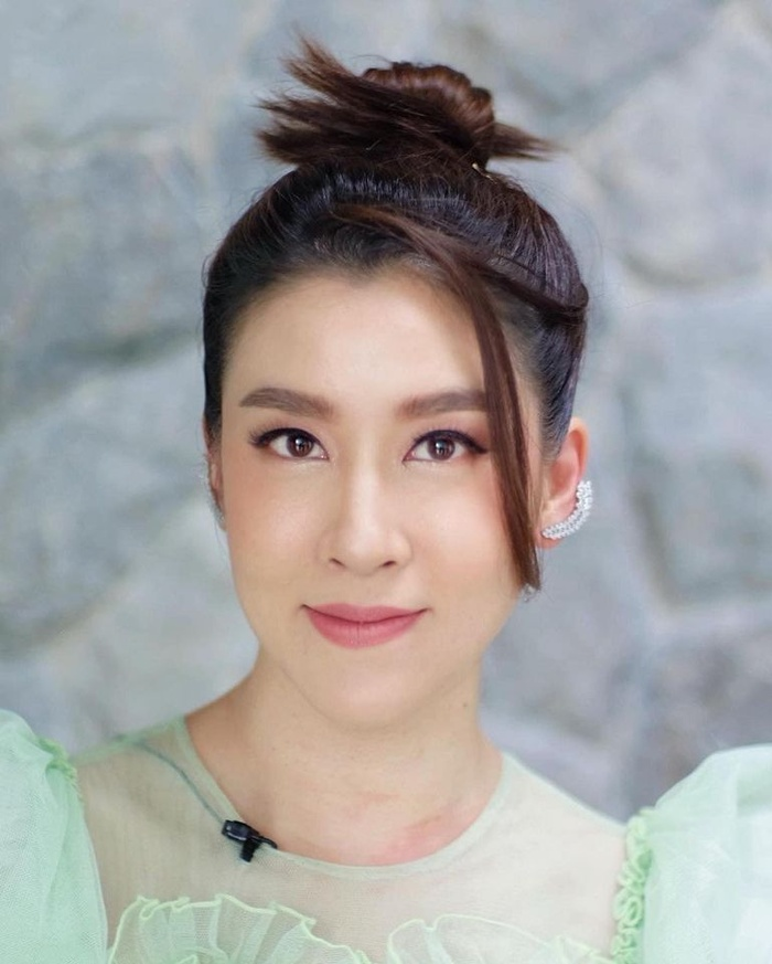'Ley Luang' 2021: Cặp bách hợp 'mẹ chồng - nàng dâu' tái ngộ, Jes Jespipat lần đầu hợp tác cùng Hoa hậu hoàn vũ Thái Lan Pooklook Fonthip Ảnh 2