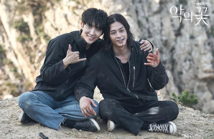 10 diễn viên - phim Hàn hot tuần 2 tháng 9: Lee Jun Ki 'bại trận' trước Park Bo Gum Ảnh 6
