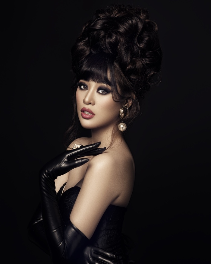 Khánh Vân biến hóa linh hoạt từ nàng công chúa nhẹ nhàng, tinh khôi trở thành nữ hoàng quyền lực Ảnh 7