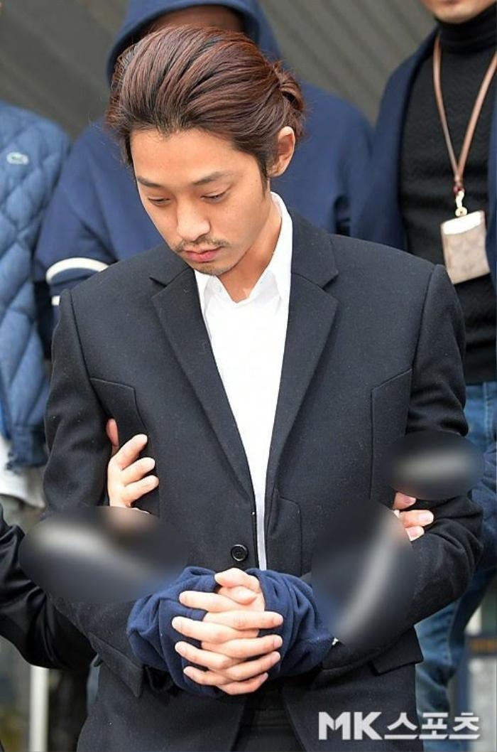 4 nghệ sĩ từng là con cưng quốc dân giờ trở thành tội đồ của cả Hàn Quốc