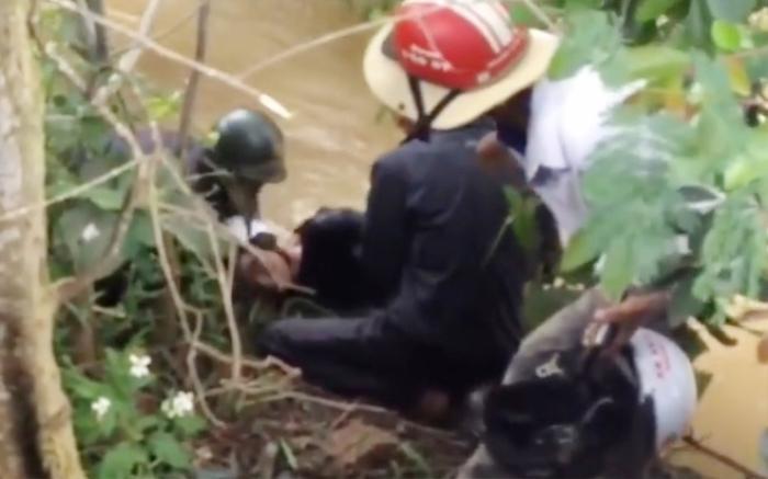 Thi thể 2 thanh niên được tìm thấy dưới suối sau buổi tiệc sinh nhật Ảnh 1