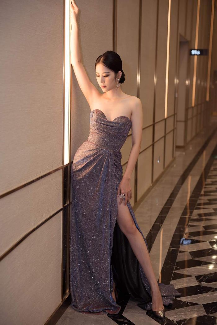 Thuộc hai thế hệ nhan sắc khác nhau, Mai Phương Thúy - Lương Thuỳ Linh vẫn cùng dẫn đầu Top sao đẹp tuần qua Ảnh 13