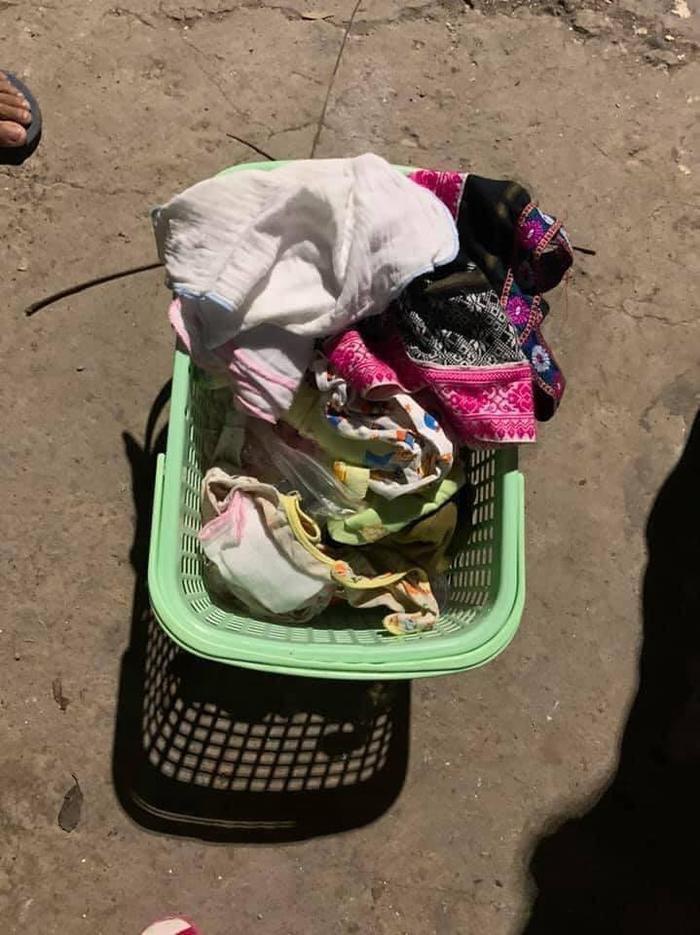Bé gái sơ sinh bị bỏ rơi trong thùng rác kèm tờ giấy: 'Con khổ quá không thể nuôi được' Ảnh 2
