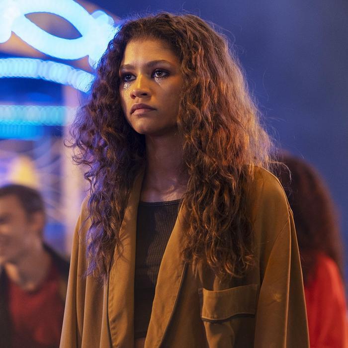 Những khoảnh khắc của Zendaya khi giành giải Emmy lịch sử và tiết lộ về phần mới của bộ phim 'Euphoria' Ảnh 3