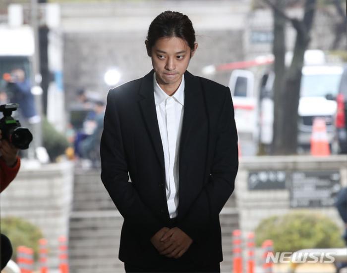 Jung Joon Young - Choi Jong Hoon nhận bản án tù cuối cùng vì tội hiếp dâm tập thể Ảnh 5