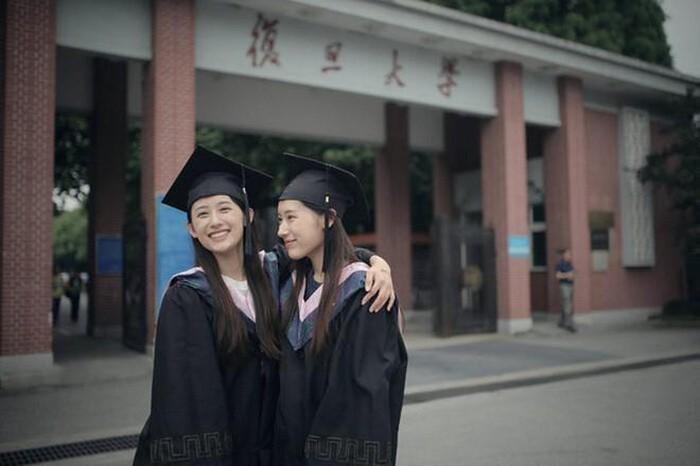 Cặp chị em song sinh Trung Quốc từng tốt nghiệp ĐH Harvard danh tiếng bây giờ ra sao? Ảnh 1