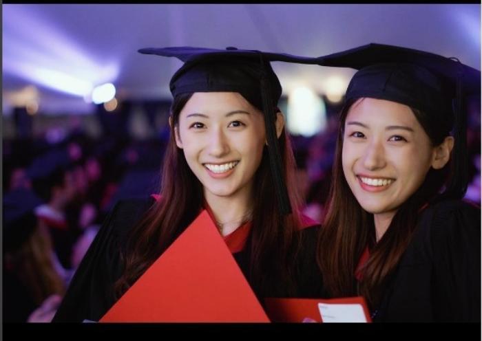 Cặp chị em song sinh Trung Quốc từng tốt nghiệp ĐH Harvard danh tiếng bây giờ ra sao? Ảnh 2