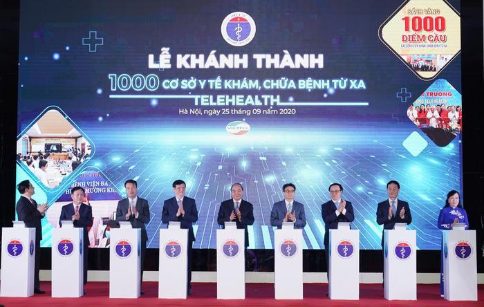 Khánh thành 1000 cơ sở y tế khám, chữa bệnh từ xa... người dân ở bất cứ đâu đều có cơ hội sử dụng dịch vụ y tế chất lượng cao nhất Ảnh 2