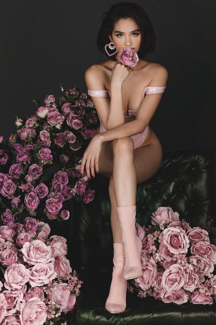 Tuyển tập bikini mừng sinh nhật, valentine gây xôn xao mạng xã hội của Ngọc Trinh Ảnh 15