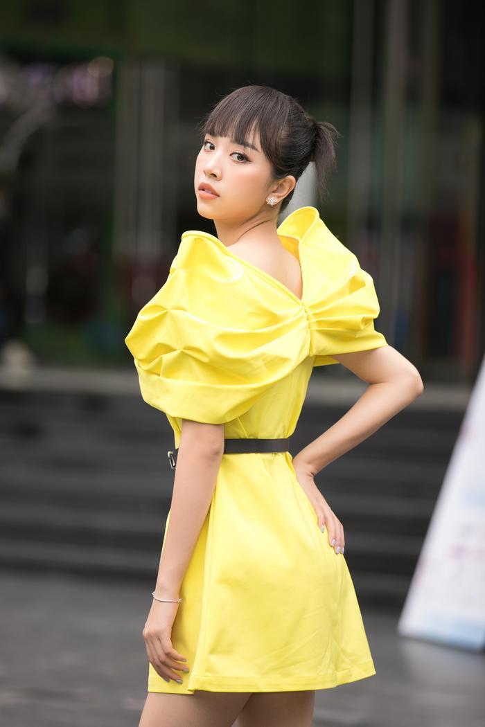Tiểu Vy diện vest đẹp thanh lịch, giám khảo Đỗ Mỹ Linh - Thụy Vân sắc sảo tìm Tân Hoa hậu Việt Nam Ảnh 8