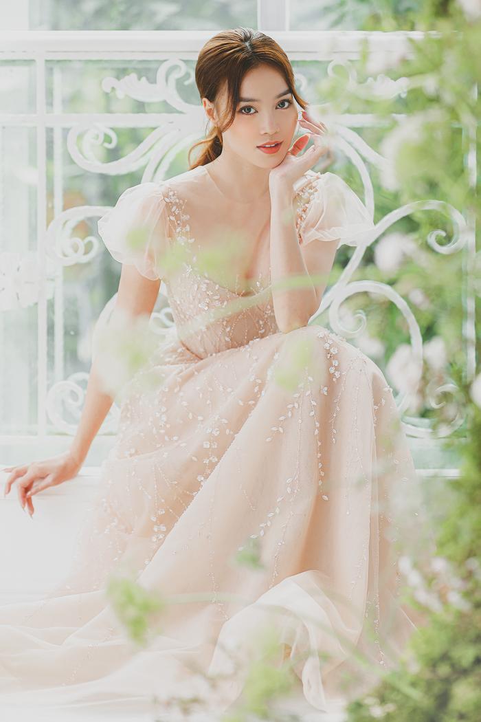 Ninh Dương Lan Ngọc diện váy cô dâu đẹp ngỡ ngàng, khoe visual đỉnh khiến dân tình tròn mắt Ảnh 7