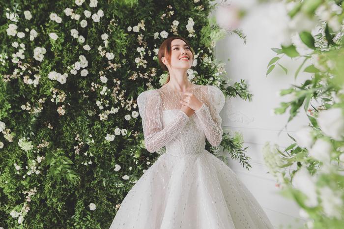 Ninh Dương Lan Ngọc diện váy cô dâu đẹp ngỡ ngàng, khoe visual đỉnh khiến dân tình tròn mắt Ảnh 5
