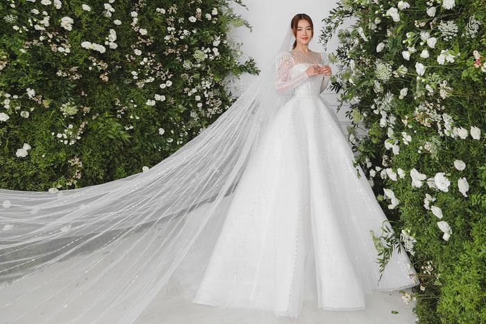 Ninh Dương Lan Ngọc diện váy cô dâu đẹp ngỡ ngàng, khoe visual đỉnh khiến dân tình tròn mắt Ảnh 4