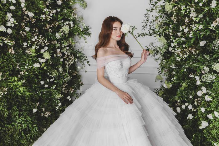 Ninh Dương Lan Ngọc diện váy cô dâu đẹp ngỡ ngàng, khoe visual đỉnh khiến dân tình tròn mắt Ảnh 9