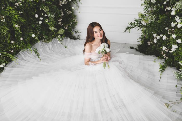 Ninh Dương Lan Ngọc diện váy cô dâu đẹp ngỡ ngàng, khoe visual đỉnh khiến dân tình tròn mắt Ảnh 8