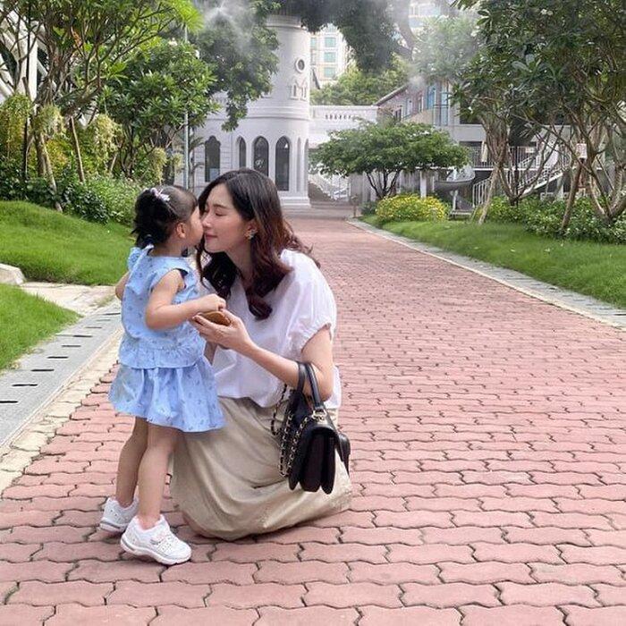 Khoe ảnh đi ăn cưới, Hoa hậu Đặng Thu Thảo khiến fan phải nức nở vì quá đẹp Ảnh 8