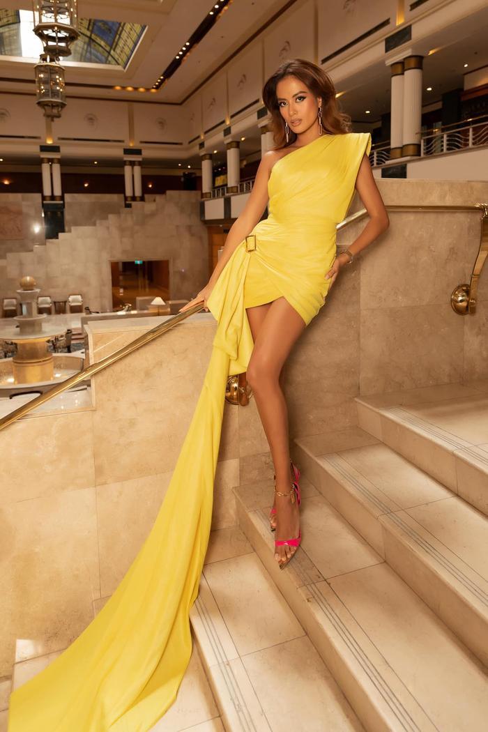 Vượt dàn Hoa hậu, Ngọc Trinh chỉ hở nhẹ cũng điềm nhiên dẫn đầu bảng xếp hạng sao đẹp Ảnh 11