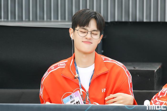 Đại hội thể thao idol 2020: Wanna One hội tụ đông vui, 'Quán quân' Kim Yo Han (X1) thì sao? Ảnh 30