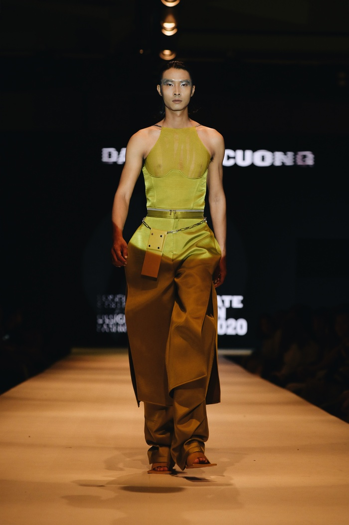 Mẫu Việt phủ phấn trắng toàn thân hóa thành gái bán hoa cao cấp Nhật Bản và thông điệp nhân văn phía sau Ảnh 4