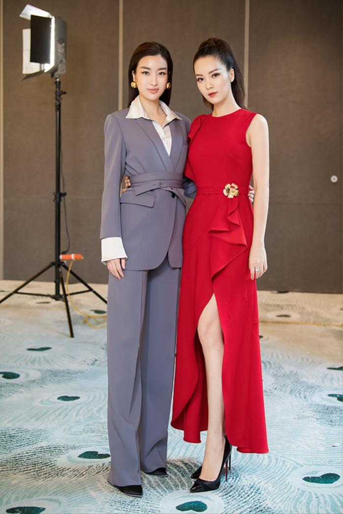 Chẳng cần váy áo điệu đà, Đỗ Mỹ Linh 'chặt đẹp' dàn mỹ nhân với style nữ quyền Ảnh 1